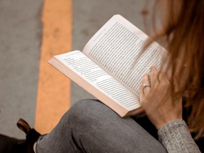 Read more about the article Bindungsangst Buch: Die besten Bücher über Bindungsängste