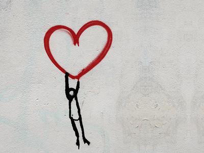 Read more about the article Herzschmerz bei Liebeskummer: Heile dein Herz mit Hilfe der Natur